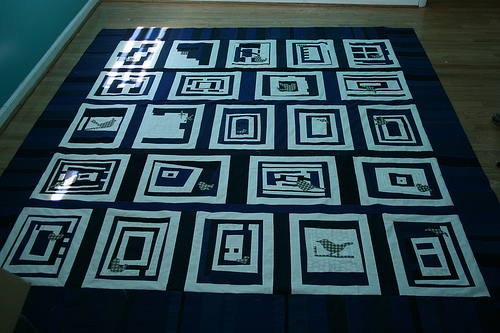Nicholes blue and white quilt